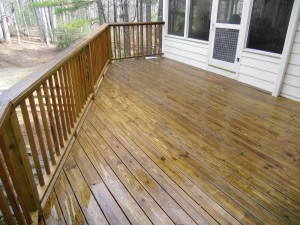 pressureWashedWoodDeck_after