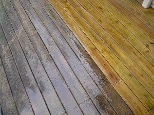pressureWashingWoodDeck_half